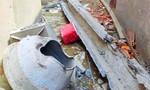 Đang làm máng xối, thợ hồ bị bê tông rơi trúng tử vong
