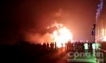 Hơn 2 giờ dập lửa xe đầu kéo chở 30 tấn cao su cháy trong đêm