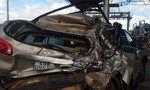 Xe khách tông xe 7 chỗ tại trạm thu phí, 3 người nguy kịch