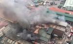 Kho xưởng gần bến xe cháy lớn, thiệt hại nặng về tài sản
