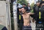 Cảnh sát khống chế thanh niên sát hại dã man người lái xe ôm