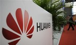 Mỹ giục các nước đồng minh ngưng sử dụng thiết bị của Huawei