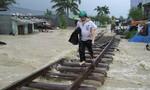 Bão số 9: Đường sắt ở Ninh Thuận bị lũ cuốn trôi
