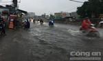 Đường phố Sài Gòn như sông, xe chết máy hàng loạt