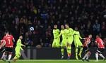 Messi ghi bàn đẹp mắt, Barcelona vững vàng ngôi đầu