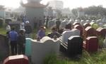 Cả làng bức xúc vì hàng trăm ngôi mộ bị đập phá trong đêm