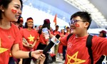 Người hâm mộ sang Malaysia tiếp sức cho đội tuyển