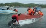 Lật cano chở 20 du khách nước ngoài trên vịnh Nha Trang, 2 người chết