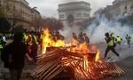 Pháp hoãn tăng thuế nhiên liệu trước sức ép biểu tình