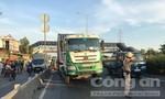 TP.HCM: Chạy vào làn ô tô, một người bị xe container cán tử vong