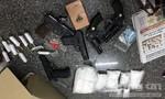 """Đánh sập """"tập đoàn"""" buôn ma túy có 5 khẩu súng"""