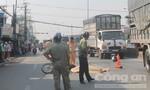 Ngã xuống đường, người đàn ông bị xe tải cán tử vong thương tâm