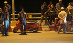 Cô gái bỏ lại xe máy trên cầu rồi nhảy xuống sông Sài Gòn