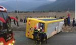 Lật xe khách gần đèo Hải Vân, 15 người thương vong