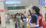 Sân bay Tân Sơn Nhất 'chật cứng' ngày giáp Tết