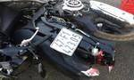 Xe khách tông xe máy ngày 30 Tết, mẹ chết, con nguy kịch