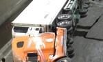 Xe container lật  trong hầm chui ngã tư Vũng Tàu