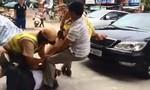 Nam thanh niên giật máy do nồng độ cồn, ném vỡ kính xế hộp