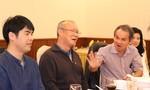 HLV Park Hang-seo đến Pleiku gặp bầu Đức bàn về bóng đá Việt Nam
