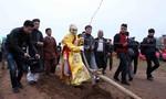 Tái hiện hình ảnh vua Lê Đại Hành cày ruộng đầu năm mới