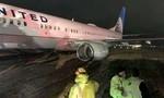 Máy bay chở gần 190 người trượt khỏi đường băng