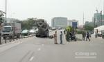 Xe bồn cán chết người đàn ông ở cầu Khánh Hội
