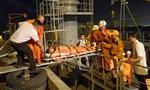 Ra biển Hoàng Sa cứu thuyền viên nước ngoài nguy kịch