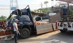 Xe khách lao đầu vào xe tải đậu ven đường, 2 người tử nạn