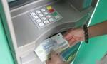 Ba người nước ngoài dùng thẻ ATM giả rút tiền ngân hàng