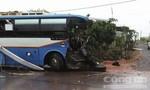 Xe khách biển số Lào tông xe tải, 3 người tử vong