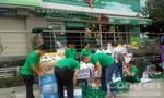Hỗ trợ cơm, nước uống cho nạn nhân vụ cháy chung cư