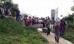 Cổng trường đổ sập hai học sinh thương vong