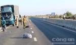 Tông vào xe tải đậu ven đường, một thanh niên tử vong