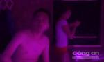 Tiếp viên massage kích dục cho khách nước ngoài