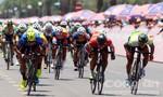 Chặng 13 giải xe đạp: Thêm tay đua của TP.HCM phải bỏ cuộc