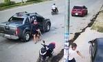 Ẩu đả trên đường phố, 2 người bị thương