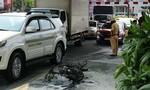 Thanh niên nghi châm lửa đốt xe giữa đường ở Sài Gòn