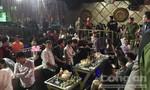 Hơn 70 thanh niên nhảy nhót lúc rạng sáng trong quán bar