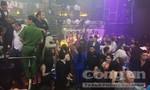 """Trăm cảnh sát kiểm tra quán bar """"khủng"""" ở Sài Gòn trước kỳ nghỉ lễ"""