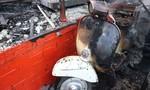 Nhiều chiếc xe cổ giá trị bị thiêu rụi sau vụ cháy quán cà phê