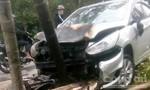 Ôtô và xe máy bốc cháy sau va chạm