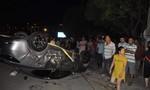 """""""Xe điên"""" tông ba xe máy, sáu người cùng một gia đình thương vong"""