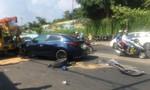 Ô tô gây tai nạn liên hoàn ở Sài Gòn, 2 người nguy kịch