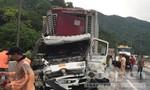 Bốn ô tô tai nạn liên hoàn gần hầm Hải Vân