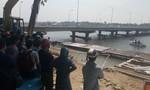 Người đàn ông ôm bé 2 tuổi gieo mình xuống sông Hương