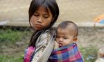 Nét hồn nhiên của trẻ em ở nơi nghèo khó nước Lào