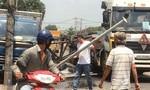 Xe ba gác chở hàng cồng kềnh gây tai nạn liên hoàn