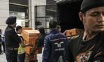 """Khám nhà cựu thủ tướng Najib Razak, thu giữ đồ xa xỉ """"không đếm xuể"""""""