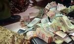 Băng trộm vứt cả bao tải tiền tháo chạy ở Sài Gòn