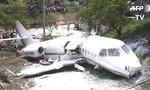 Máy bay gãy đôi khi hạ cánh ở Honduras